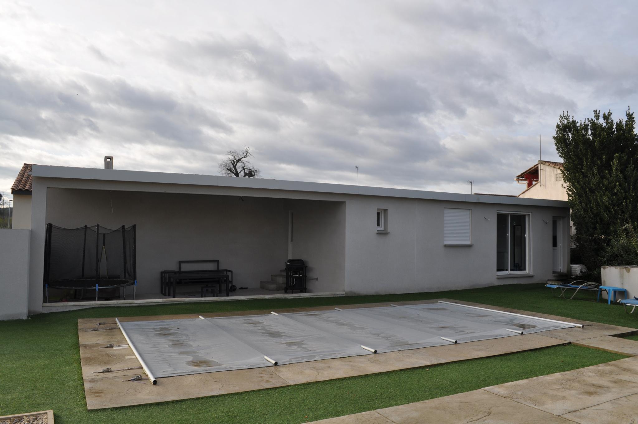 POOL HOUSE ET STUDIO INDEPENDANT SUR LA DROITE